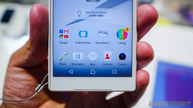 Sony-xperia-z5-compact-hands-on-34