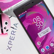обновления 39.2.A.0.386 на Xperia XZ, X Performance и 34.2.A.0.292 на Xperia X, X Compact