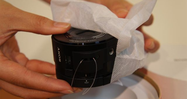 Видео распаковки объектива Sony DSC QX10