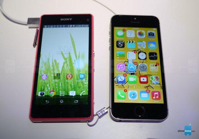 Сравнение внешнего вида Sony Xperia Z1 Compact и iPhone 5S