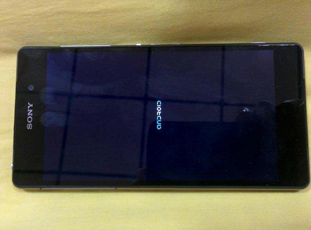 Интерфейс Sony Xperia D6503