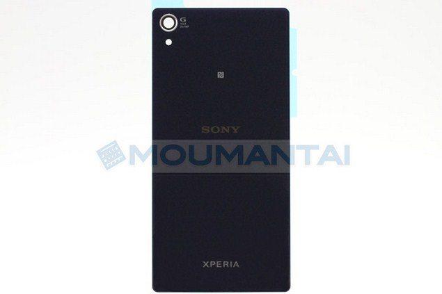 Фото подлинных передней и задней панелей Sony Xperia Sirius