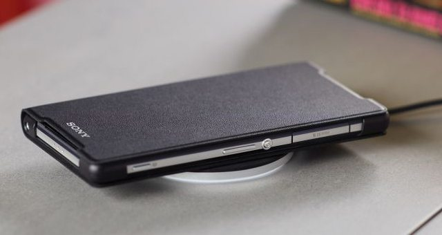 Комплект для беспроводной зарядки Xperia Z2 - Беспроводная зарядка Xperia Z2 - Wireless Charging Cover WCR12 и Plate WCH10