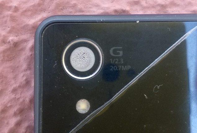 Запотевшая камера Sony Xperia Z2, проблема с камерой