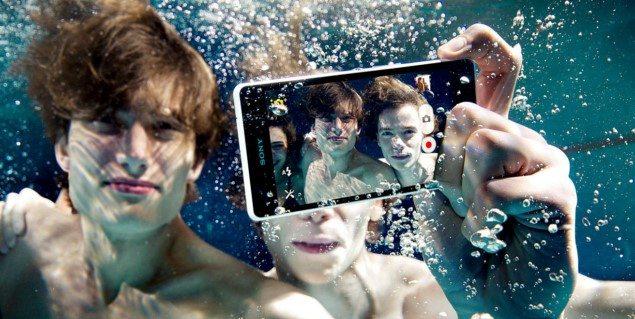 водонепроницаемый Sony Xperia ZR