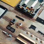 Sony Xperia Z5 разобрали – фото основных деталей