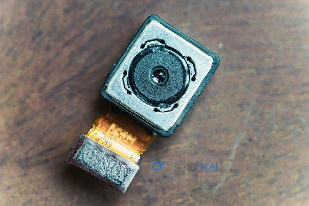разобранный sony xperia z5 на фото