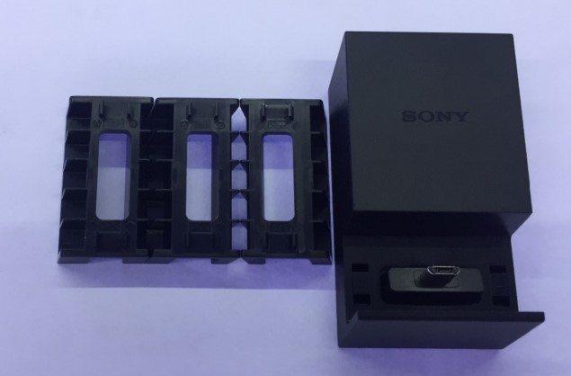 Док-станция Sony DK52 для Xperia Z5, Z5 compact, Z5 premium, Z4, Z3+, M5, C5 Ultra