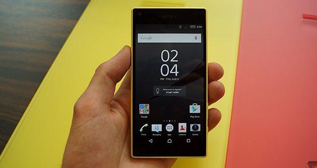 видео обзоры Sony Xperia Z5 Compact (Сони Иксперия Z5 Компакт)