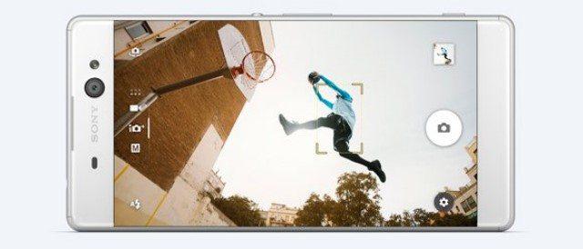 смартфон Sony Xperia XA Ultra экран