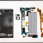 Разобранный Sony Xperia XZ Premium на фото