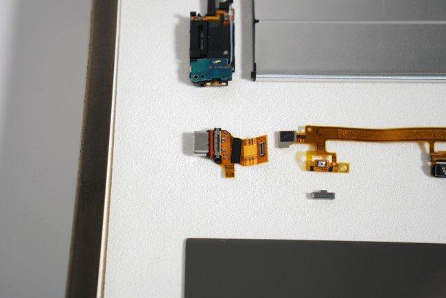 компоненты Sony Xperia XZ Premium фото