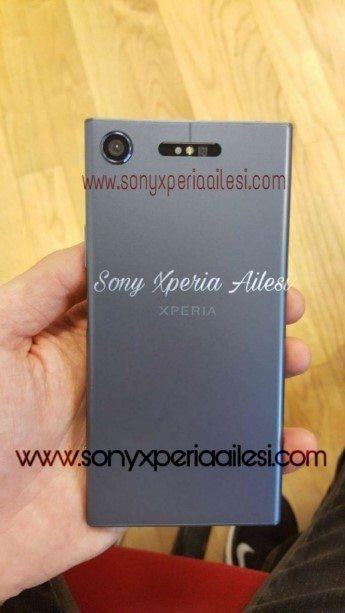 прототип Sony Xperia XZ1 на фото